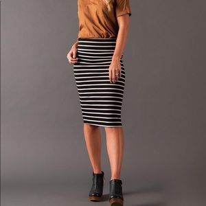 A&D Pencil Skirt Black/ Ivory Stripe Sz M
